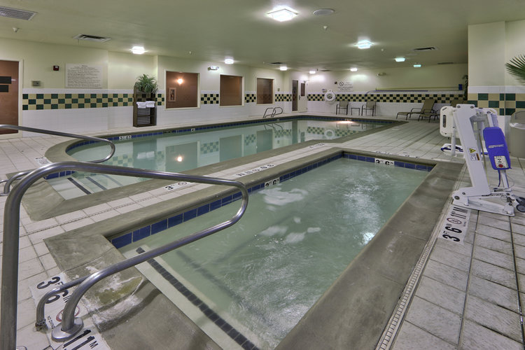 Indoor_Pool_Whirlpool.jpg