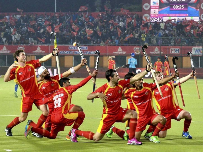 ranchi-rays-players-celebrate.jpg