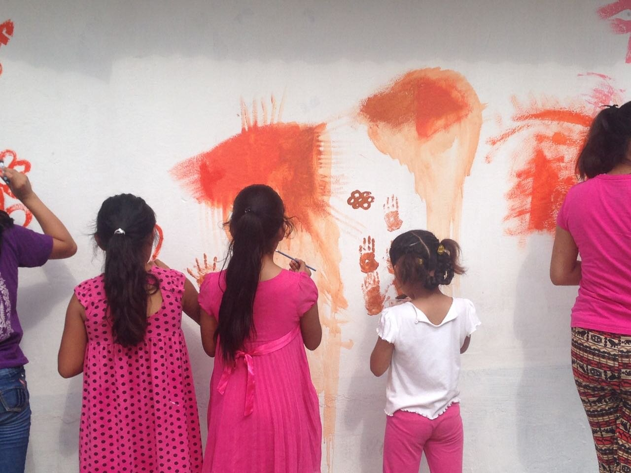 Chlitoyak locals add their voice to the murals