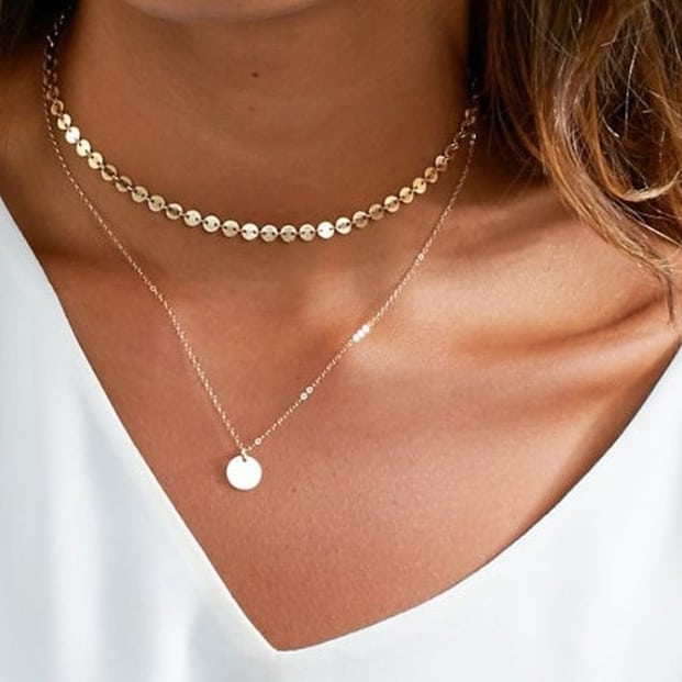 The beautiful Nicolette Duplet is on sale for $8 right now! With free shipping, you can't beat it! Completely feminine and delicate, this necklace is a must have for all seasons.
