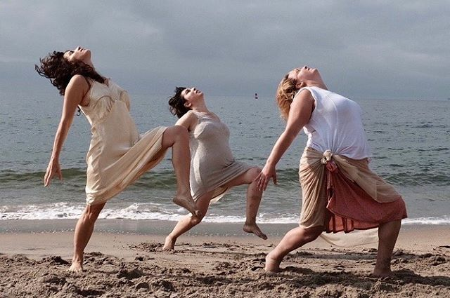 I felt so Isadora 💁🏻‍♀️.... grateful for this experience of rising early to shoot a music video on the beach with musician @jocelynmcknz and choreography by the one and only @prefontc 💃🏽💜✨ .  #repost @jocelynmcknz ・・・ we'll be the brave ones... maidens dancing in perfect light huge love to @youcandanceagain for bringing me back into my body 📸 :: @jklux  stay tuned for a new music video ⭐️ing @prefontc @jessgrippo @lorainbow60 @chasindolphins @jklux @neiltyrone87 🎥 @linds_augusta @taraodactyl 🌊 @coney.island.usa  #thebraveones #singersongwriter #musicvideo #newmusic #newmusicvideo #musicmonday #brave #dance #effyourbeautystandards #bopo #youcandanceagain #dance #moderndance
