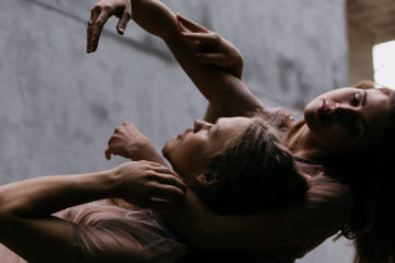 Q&A: Jillian Mitchell on Kit Modus' first artist residency and tour in 2019–20 - SYDNEY BURROWS JUNE 3, 2019There's a particular magic that comes from combining exceptional dance with a beautiful atmosphere, and this is something that Kit Modus, one of Atlanta's newest contemporary dance companies, has achieved. Since its inception, Kit Modus has successfully introduced a new dance audience to Callanwolde, the elegant Tudor Revival mansion built by Coca-Cola heir Charles Howard Candler and now home to Callanwolde Fine Arts Center.READ MORE