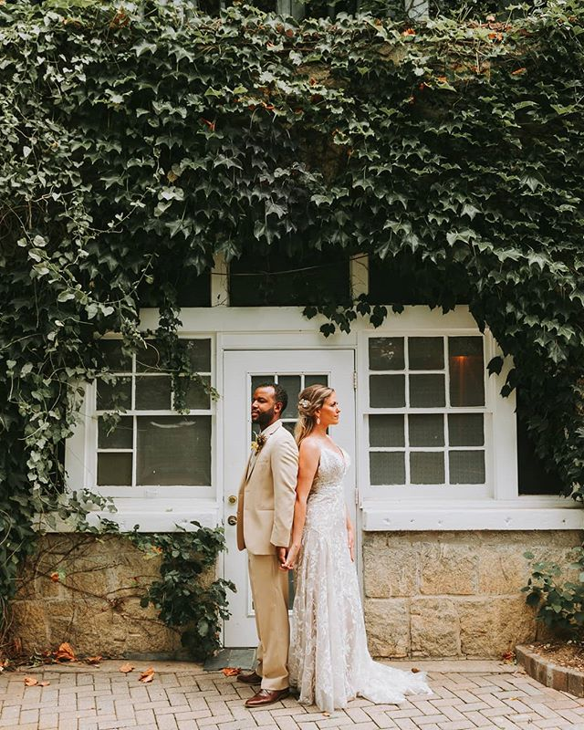 I am so excited to announce publicly that my last styled shoot is getting published on @theperfectpalette !Huge thanks to all of the wonderful vendors! Tap to see all of the vendors! .. .. .. .. .. #weddinginspo #summerwedding #piedmontwedding #piedmontpark #parktavern #tropical #tropicalvibes #tropicalwedding #details #bride #groom #attire #weddingdress #weddingphotographer #atlantaphotography #atlantablogger #atlweddingphotographer #georgiawedding #youtuber