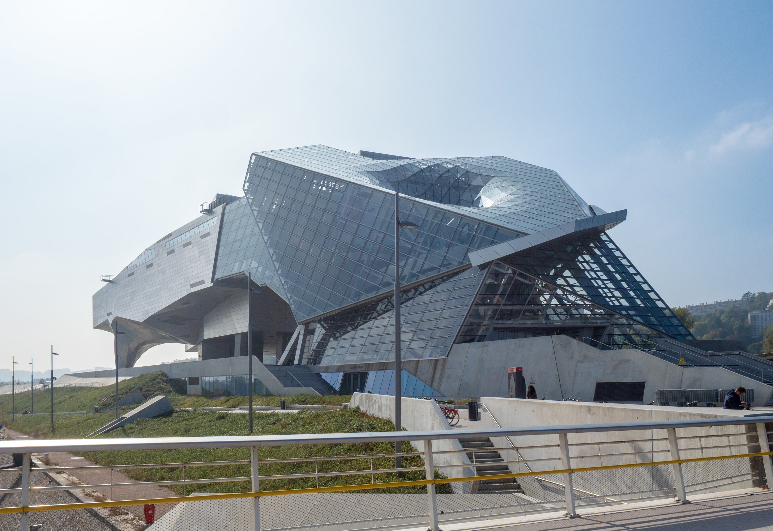 WTF is going on here? Le Musée des Confluences - Coop Himmelb(l)au. Image Source:  Wikimedia Commons