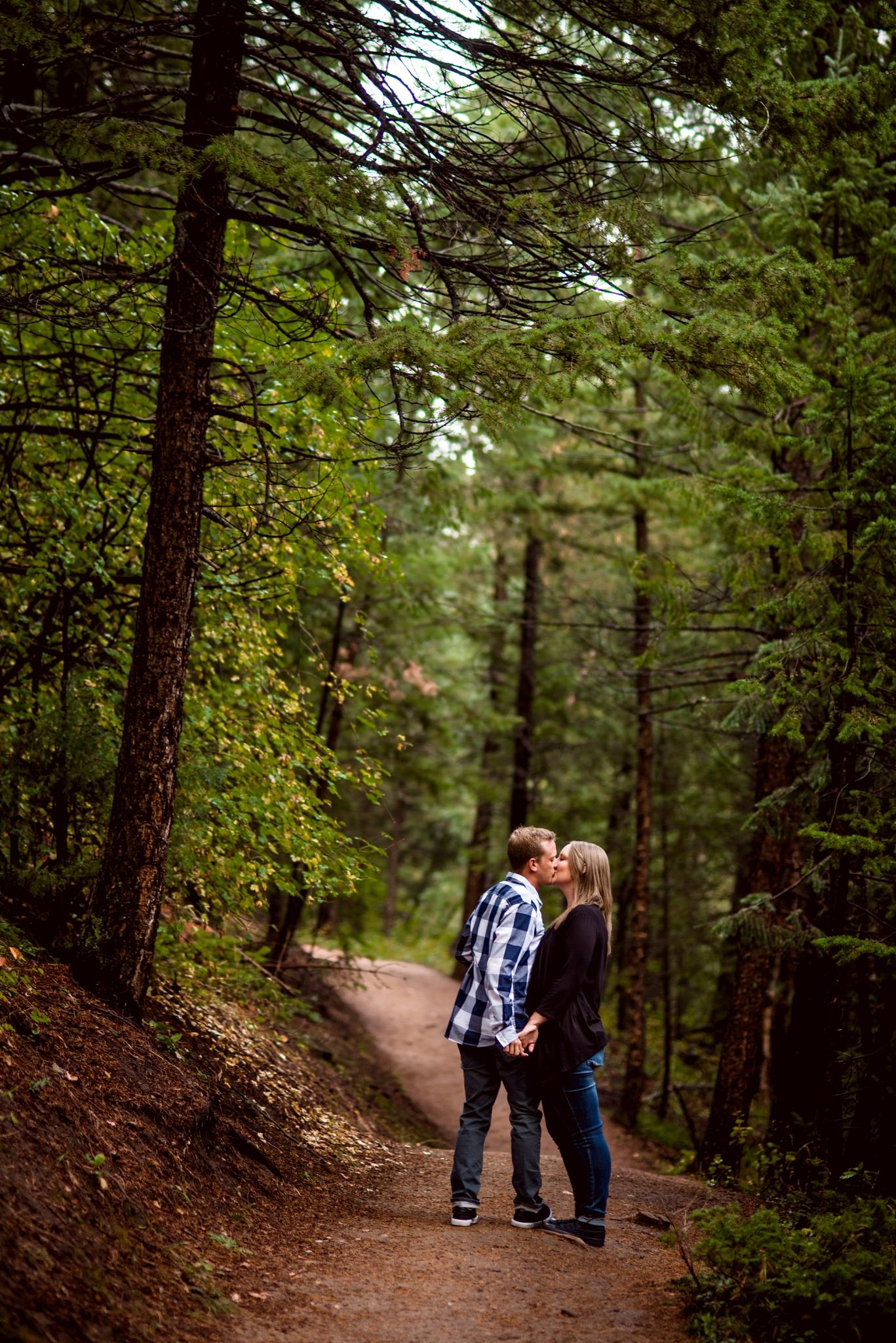 Flagstaff Mountain Engagement Photos_0010.jpg