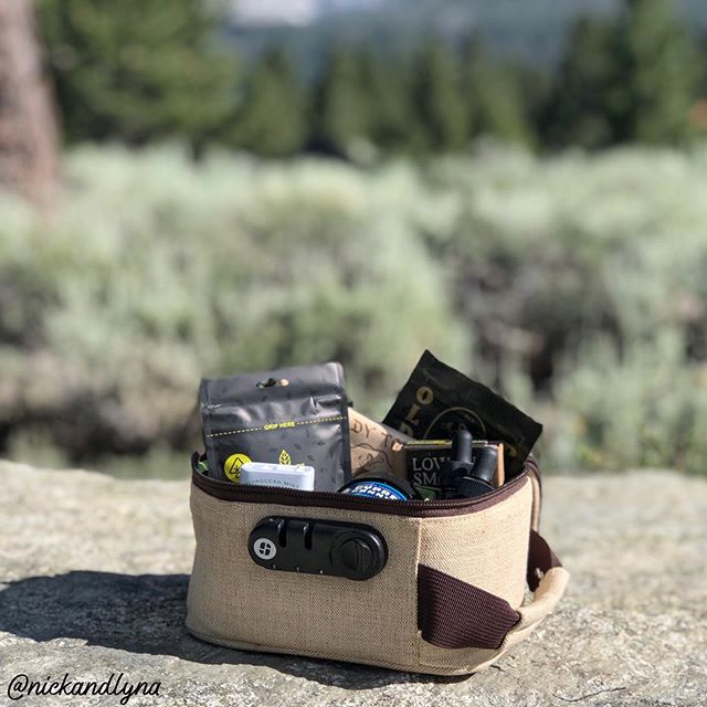 When the mountains call, you pack your @stashlogix and go 😉🏔🌱 . . Podcast available on iTunes, Google Play & Link in Bio‼️ . . . #hittingthewindow #nickandlyna #stash #podcast #themountainsarecalling #fun #camping #adventuretime #travel #thc #cannabiscommunity #420 #couplegoals #stashlogix #safetyfirst #california #hike
