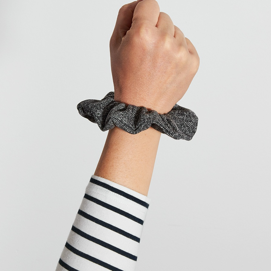SHOP SCRUNCHIES -