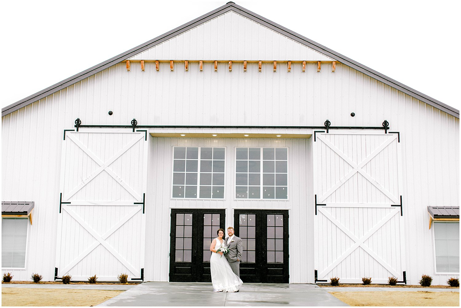 The Barn at Grace Hill Wedding, Kansas Wedding Photographer, Wichita Kansas Wedding Photographer, barn wedding, traditional wedding, wedding photography, wedding inspiration, unique wedding photos, barn venue, husband and wife portraits, bride and groom photos