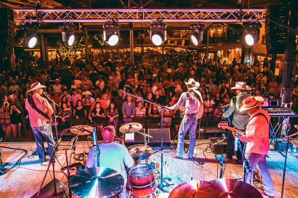 Dos Amigos -Odessa, TX (w/Josh Abbott Band) August 2017 -
