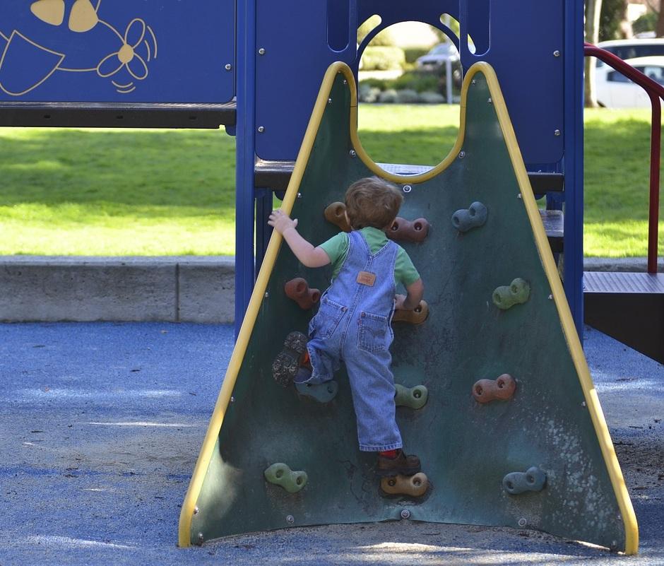 playground-2457321_1280.jpg