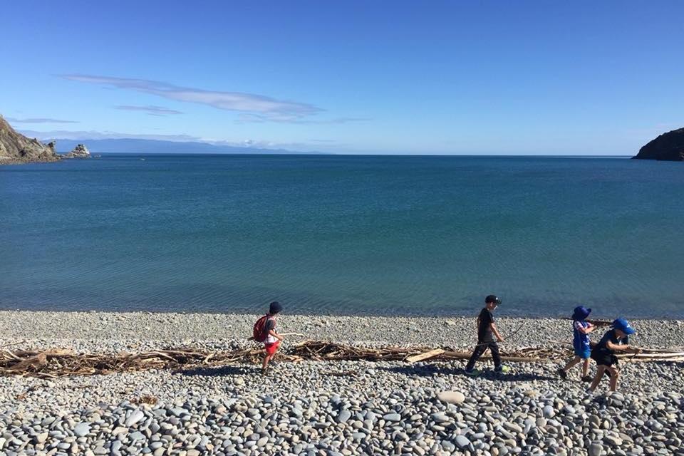 hira cable bay camp beach 2