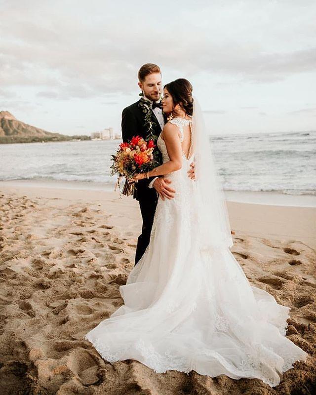 Amy and Brandon's Halekulani wedding. Photography by @derekwongphotography