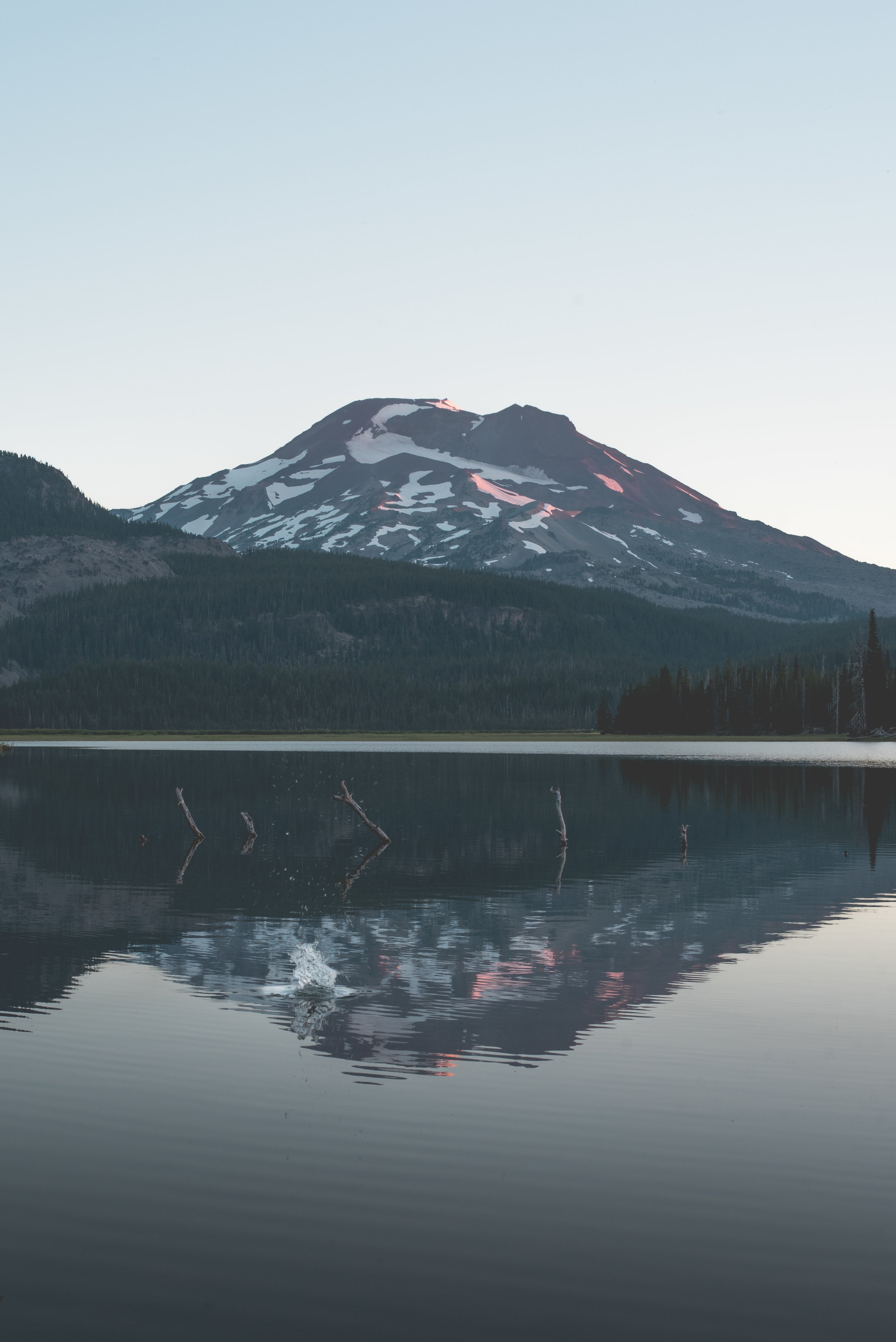 Sparks Lake at sunrise. ISO 400, f/11, 1/60.