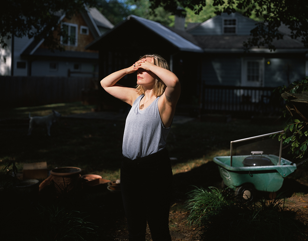 Stephanie Dowda and Her Mother's House,Decatur, Georgia, 2016 © Ashley Kauschinger