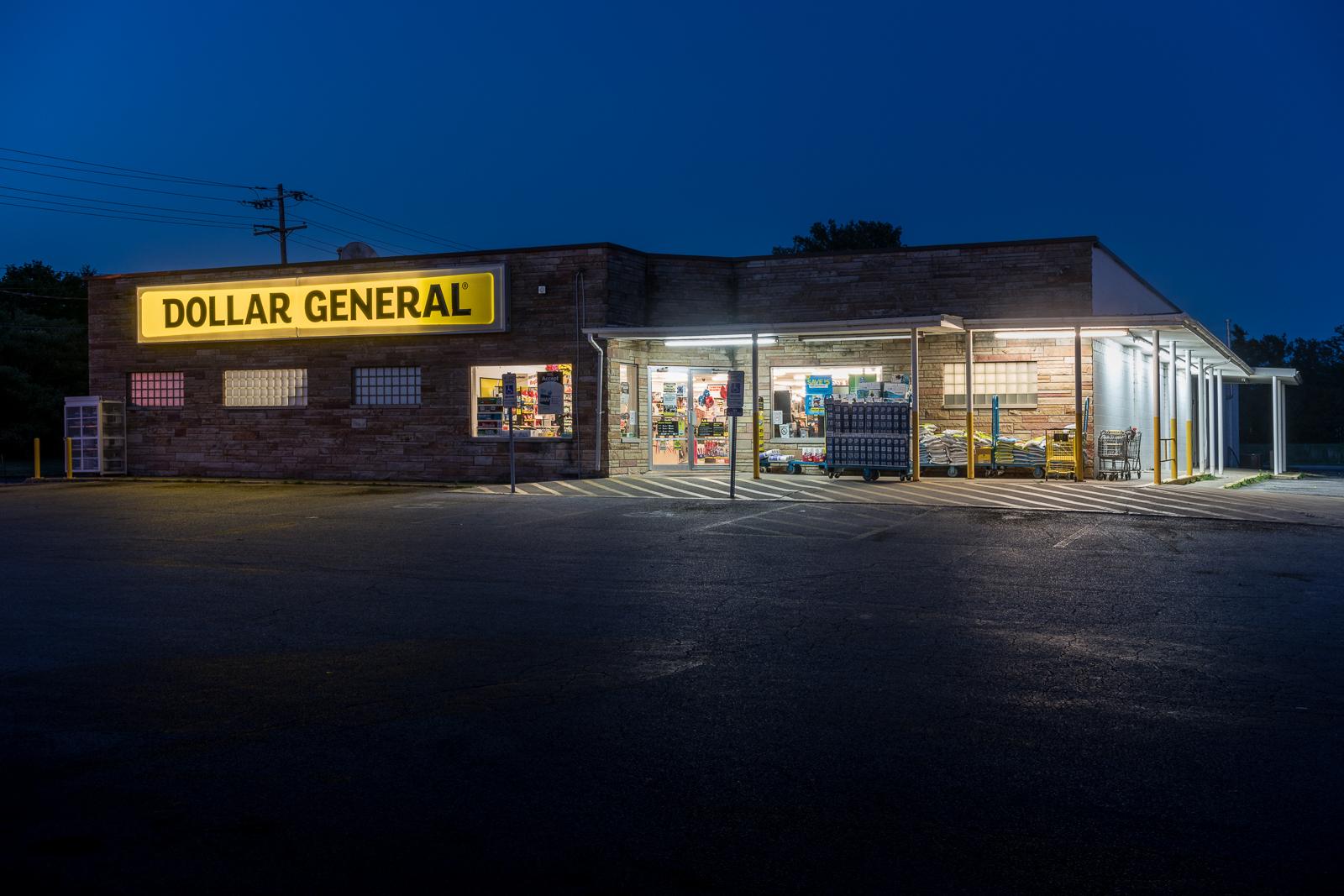 Dollar General, Olney, Illinois, 2017 © Nate Larson