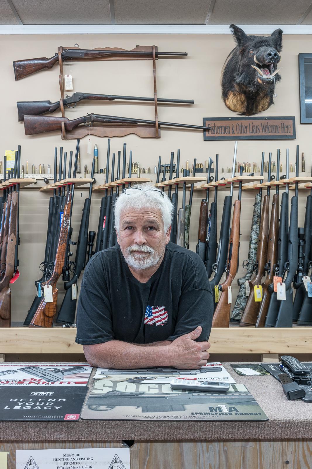 Clayton at the Gun Shop, De Soto, Missouri, 2017 © Nate Larson
