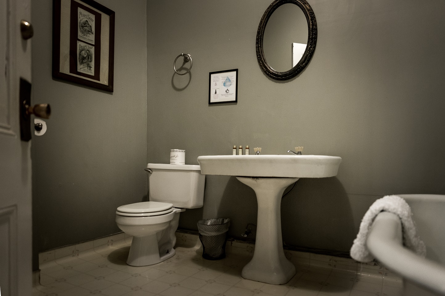 bathroom 4 color.jpg
