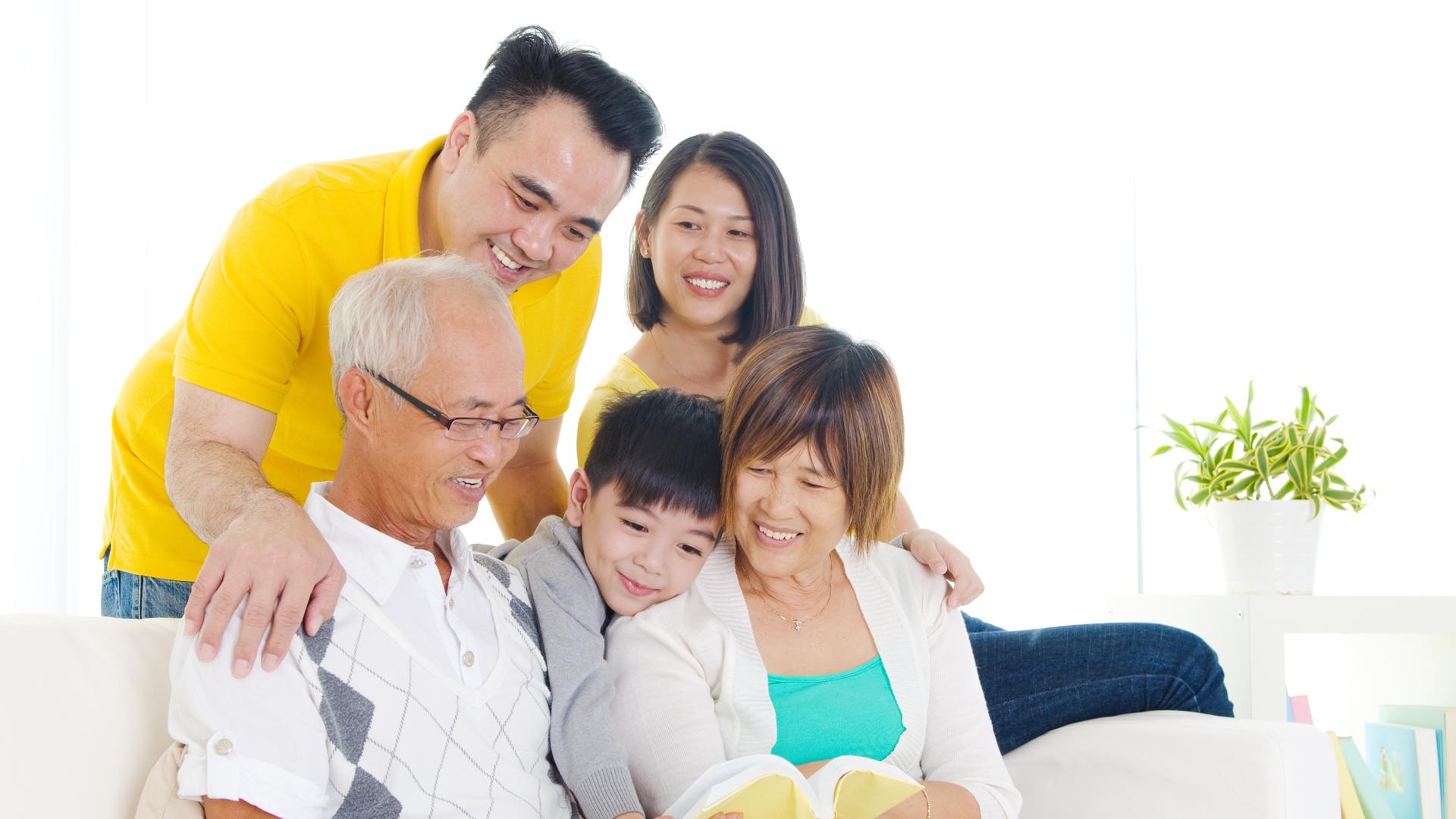 3001HC_3 generations Vietnamese family_web.png