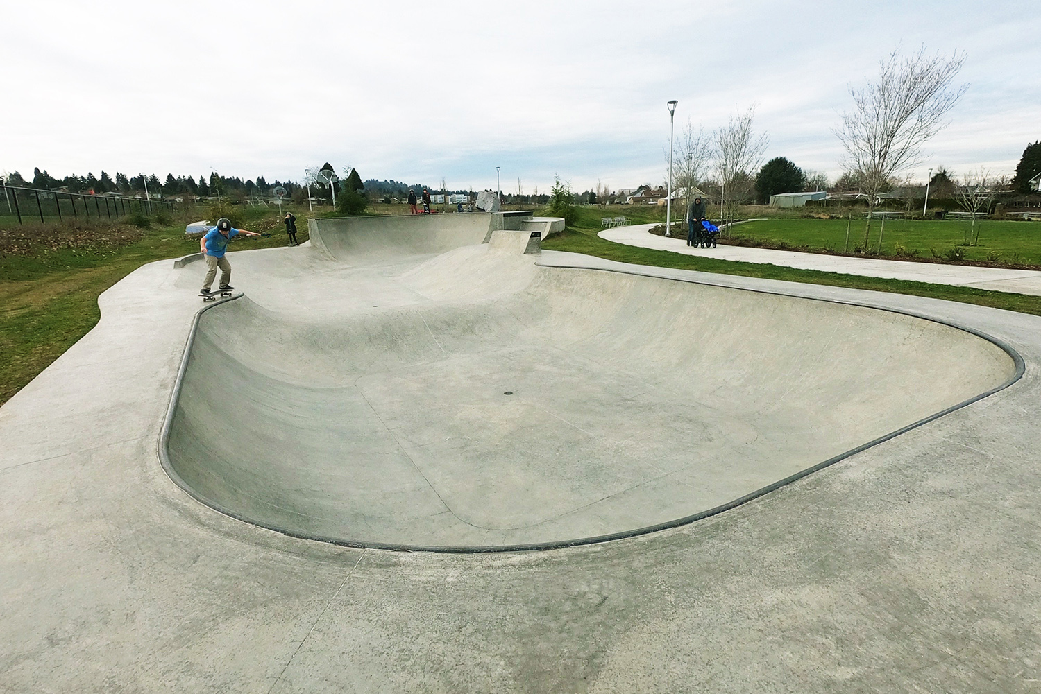 The four-foot bowl section of the Luuwit Skate Spot.