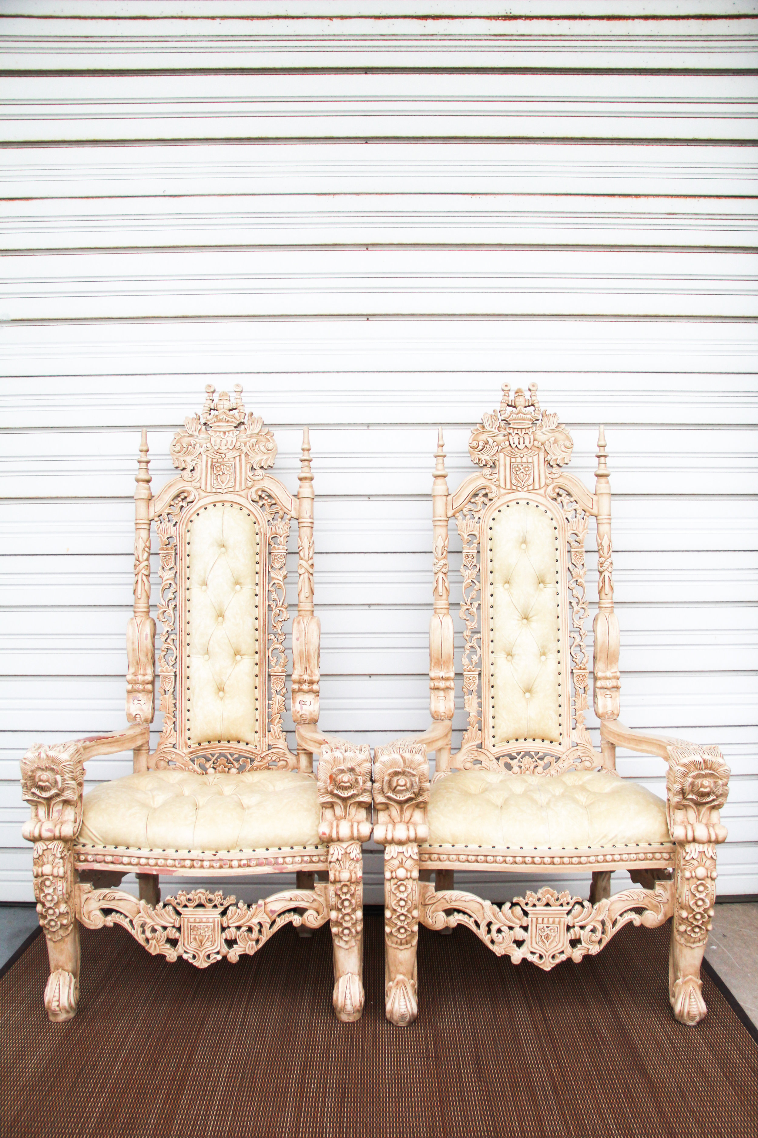 Royal Ivory Thrones