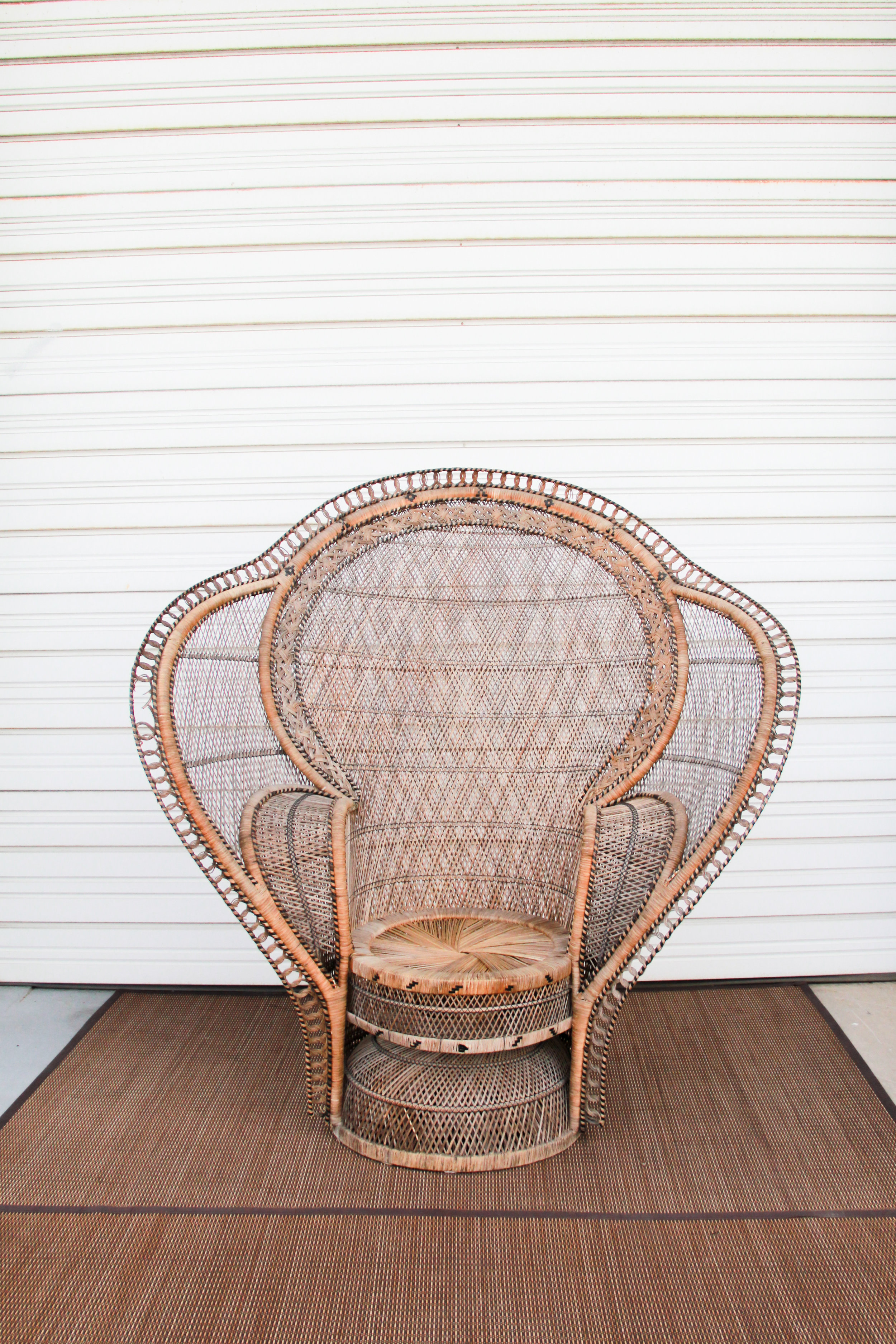 Cobra Back 1 Peacock Chair