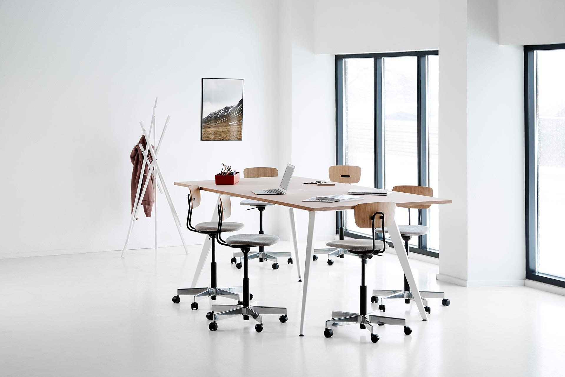 jeb_furniture_desking_holmris_cabale_high_desk-02-2.jpg