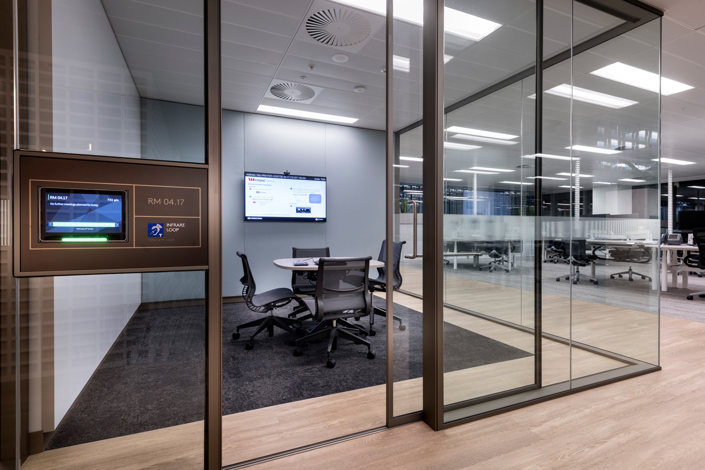 jeb_group-partitions-x-series-westpac-office-au-02.jpg