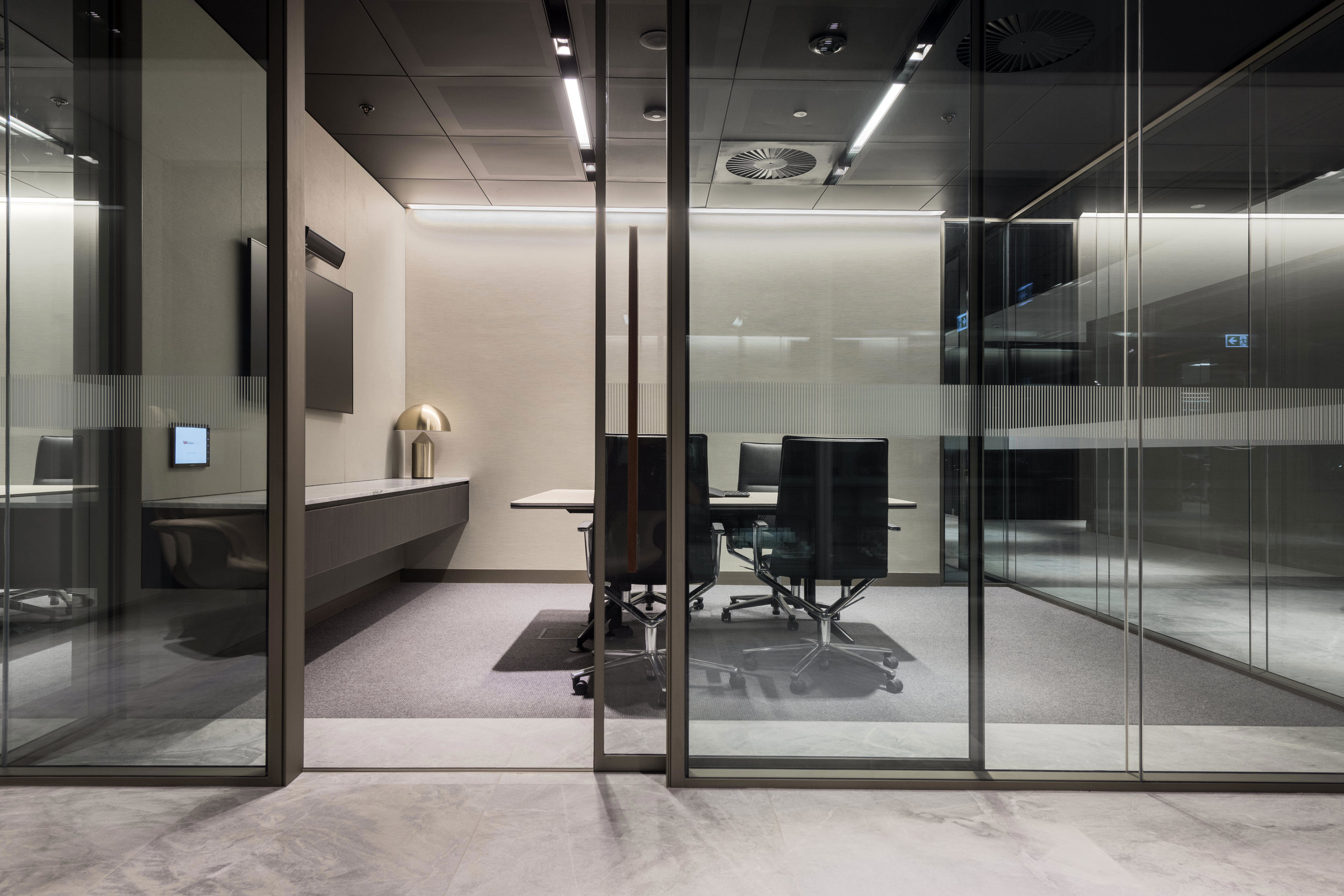 jeb_group-partitions-x-series-westpac-office-au-01.jpg