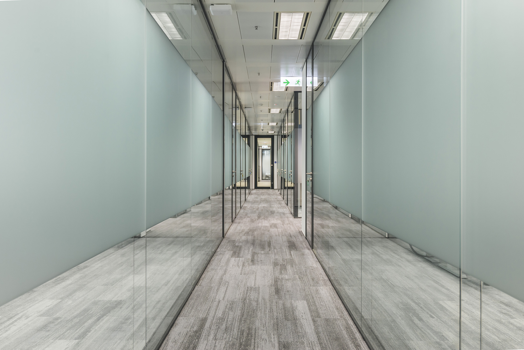 jeb-partitions-x-series-office-hk-02.jpg