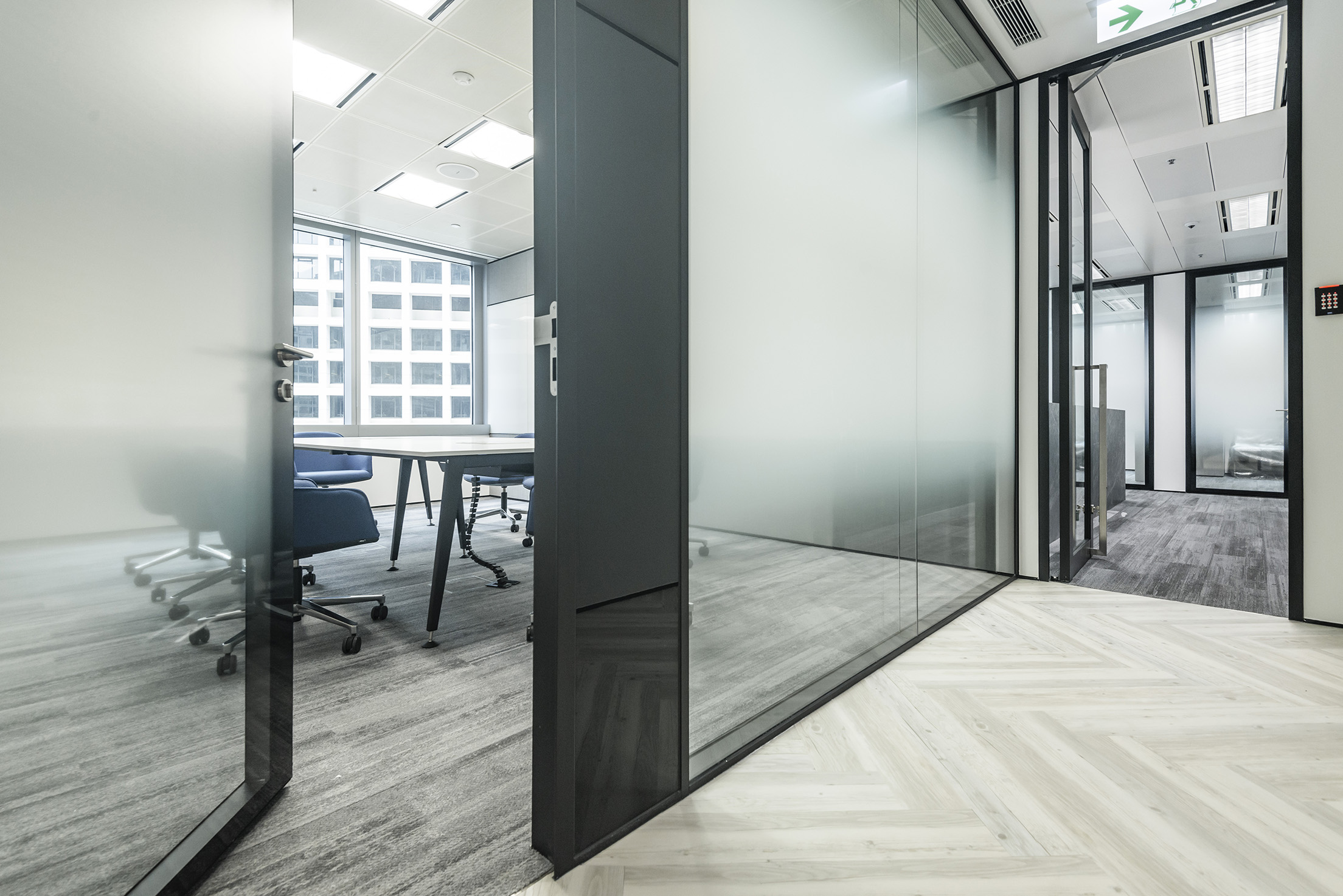 jeb-partitions-x-series-office-hk-04.jpg