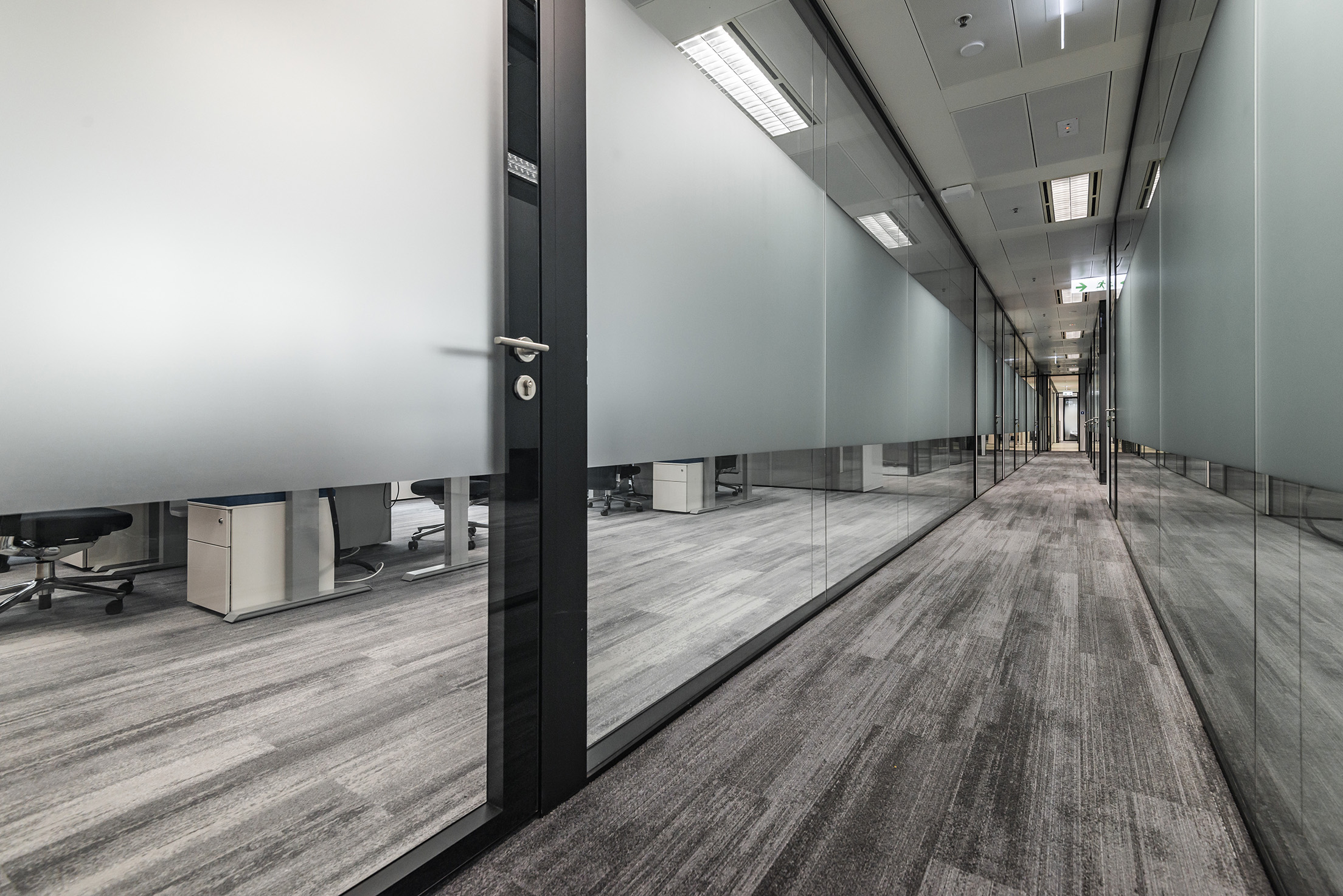 jeb-partitions-x-series-office-hk-11.jpg