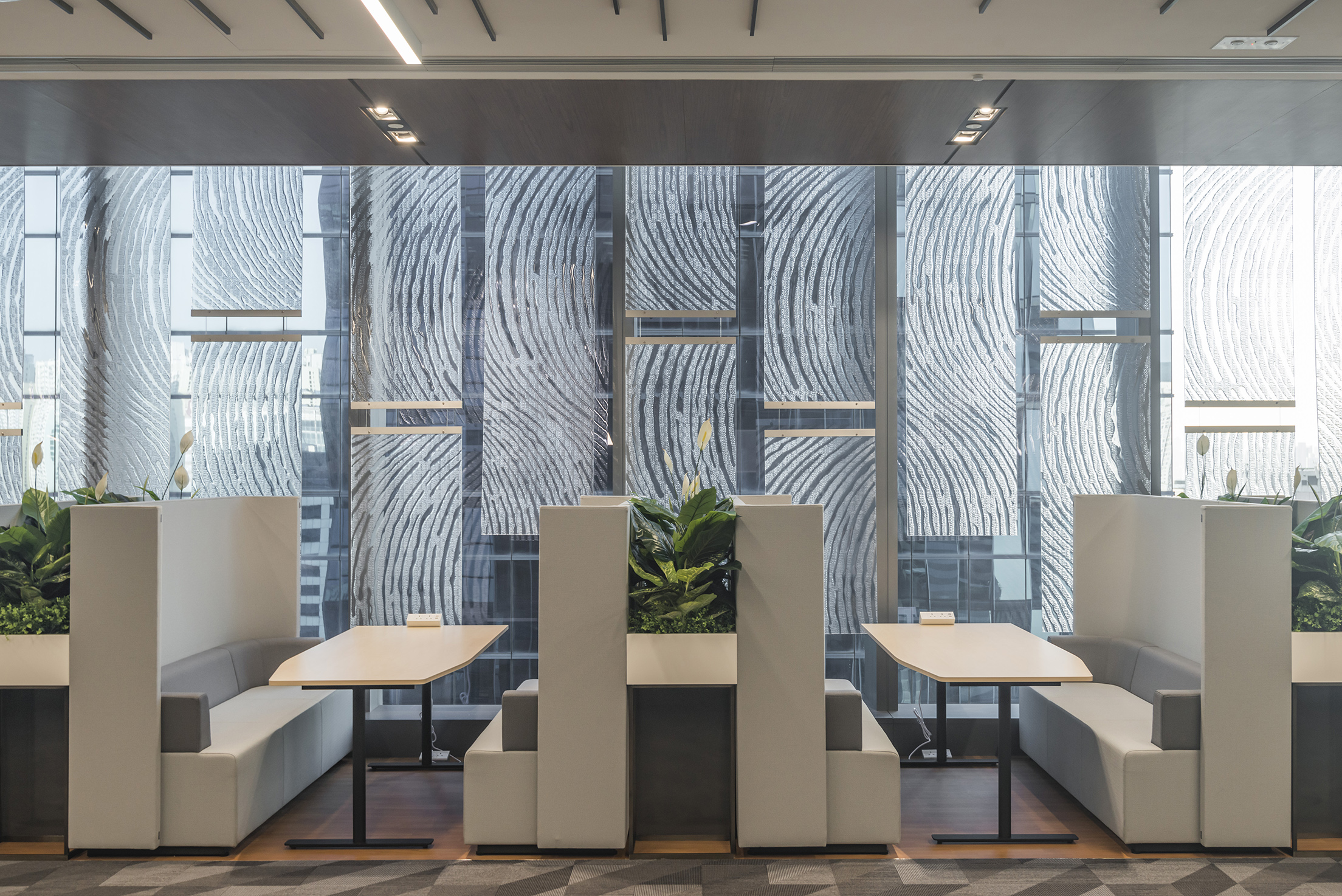 jeb-architecturalfinishes-compac-forbo-resinpanel-office-hk-01.jpg