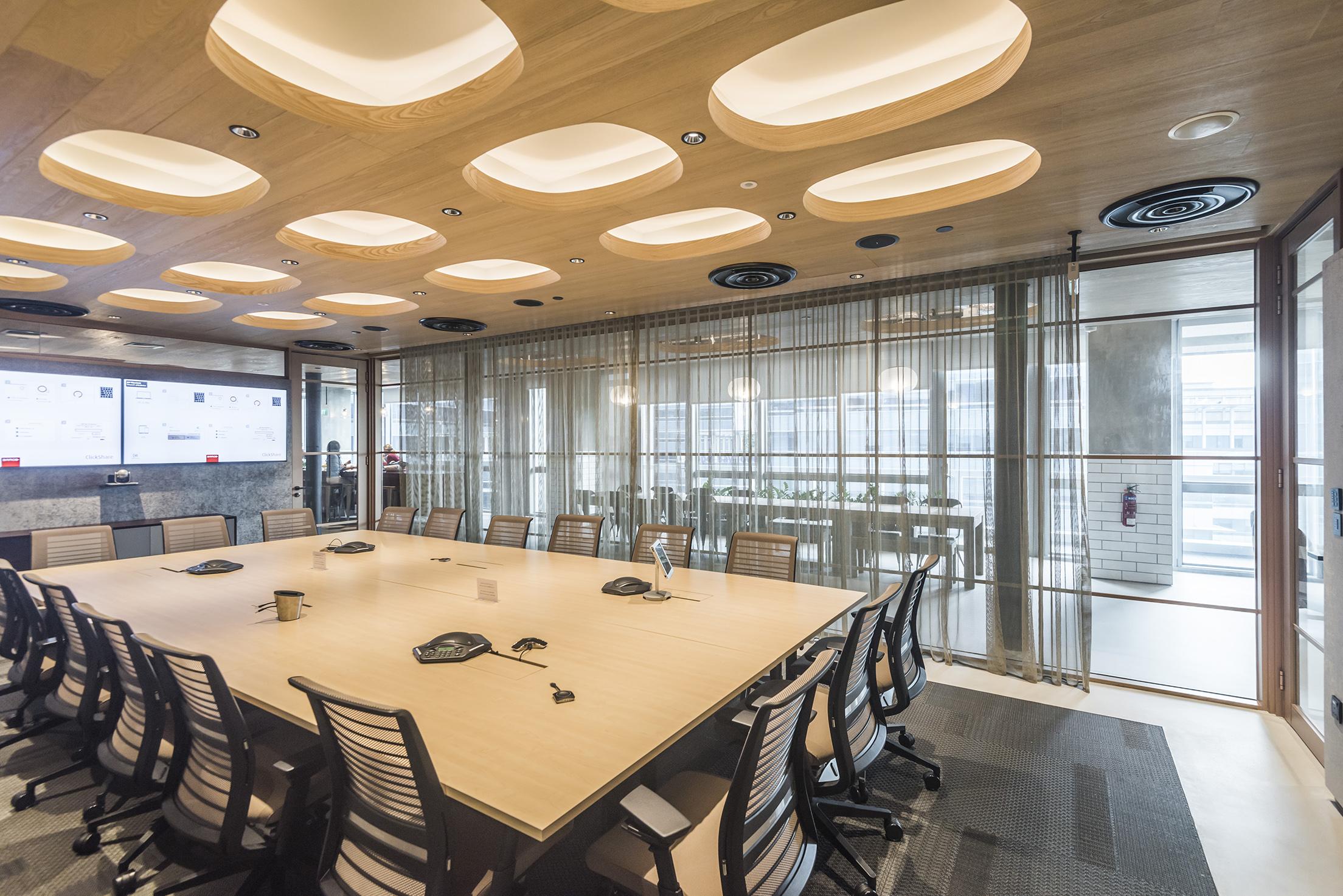JEB-partitions-summit-integra-circa ia-Marriott-singapore-workspace-03.jpg