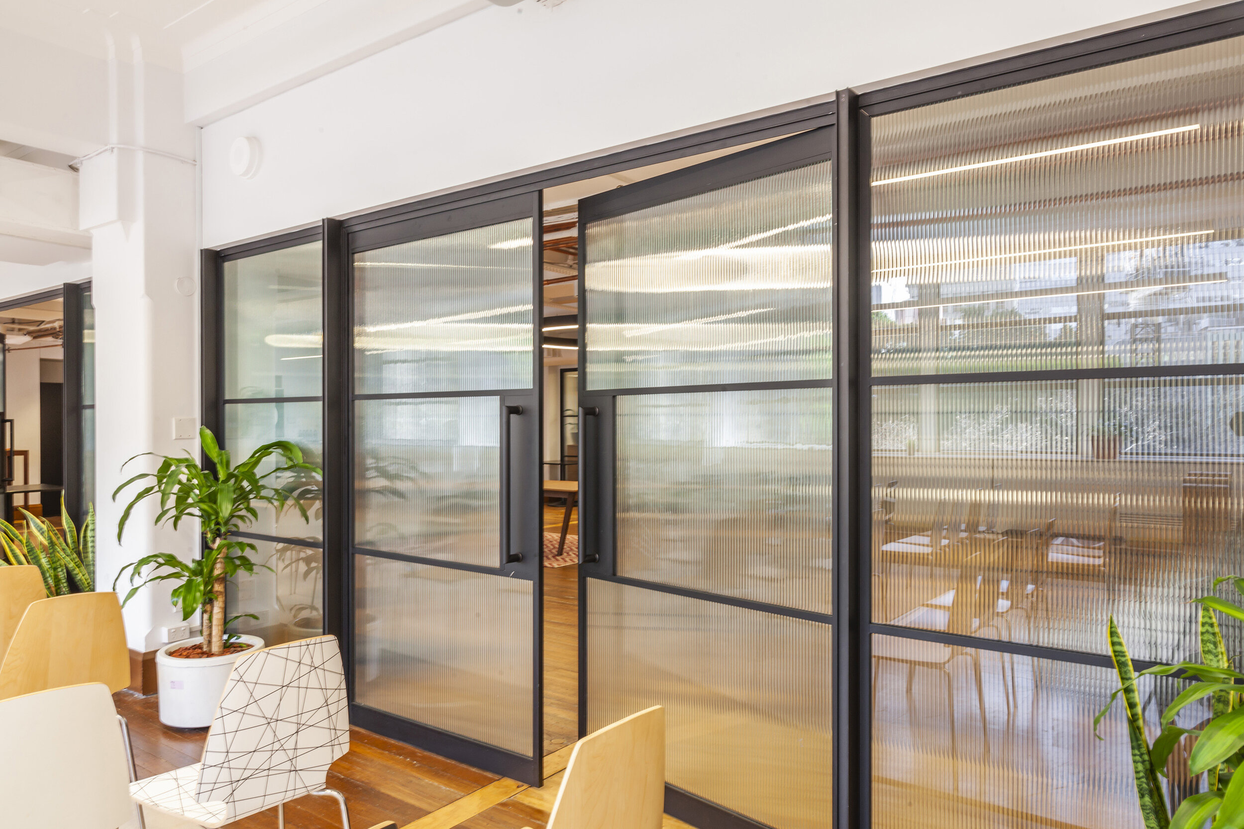 jeb-partitions-brooklyn-stone&chalk_fintech_hub_office-au-02.jpg