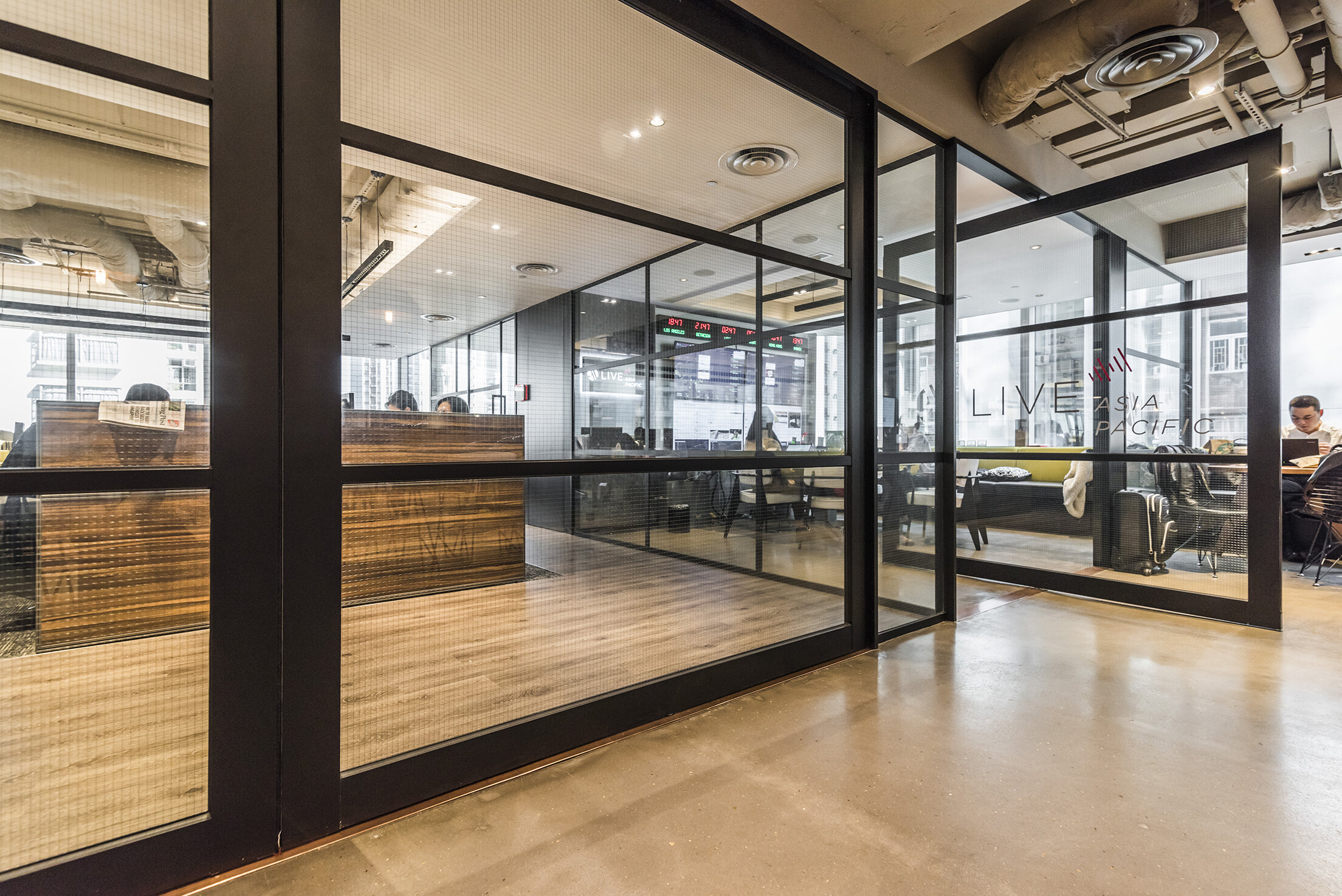 jeb-partitions-summit-integra-pivot-door-hongkong-office-07.jpg