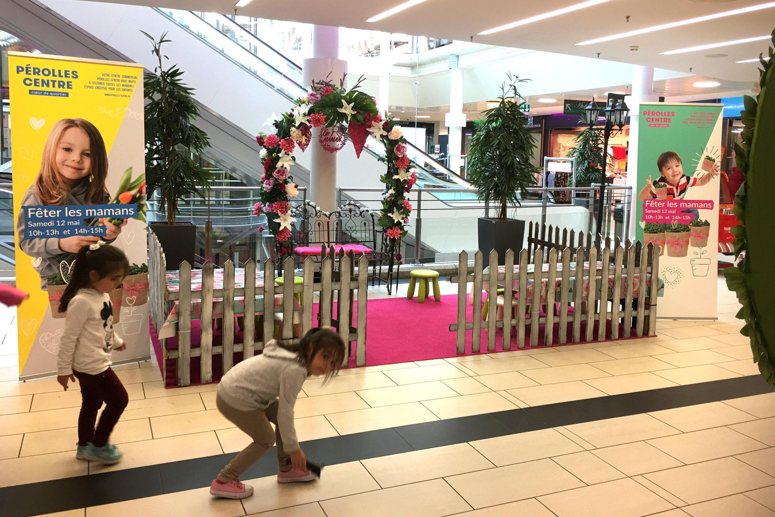 stand-decoration-rose-moms-day.jpg