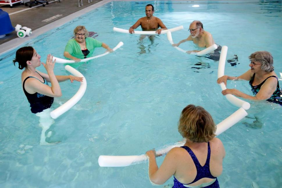 https://www.usnews.com/news/best-states/wisconsin/articles/2017-07-22/in-this-exercise-class-instructor-teaches-in-sign-language
