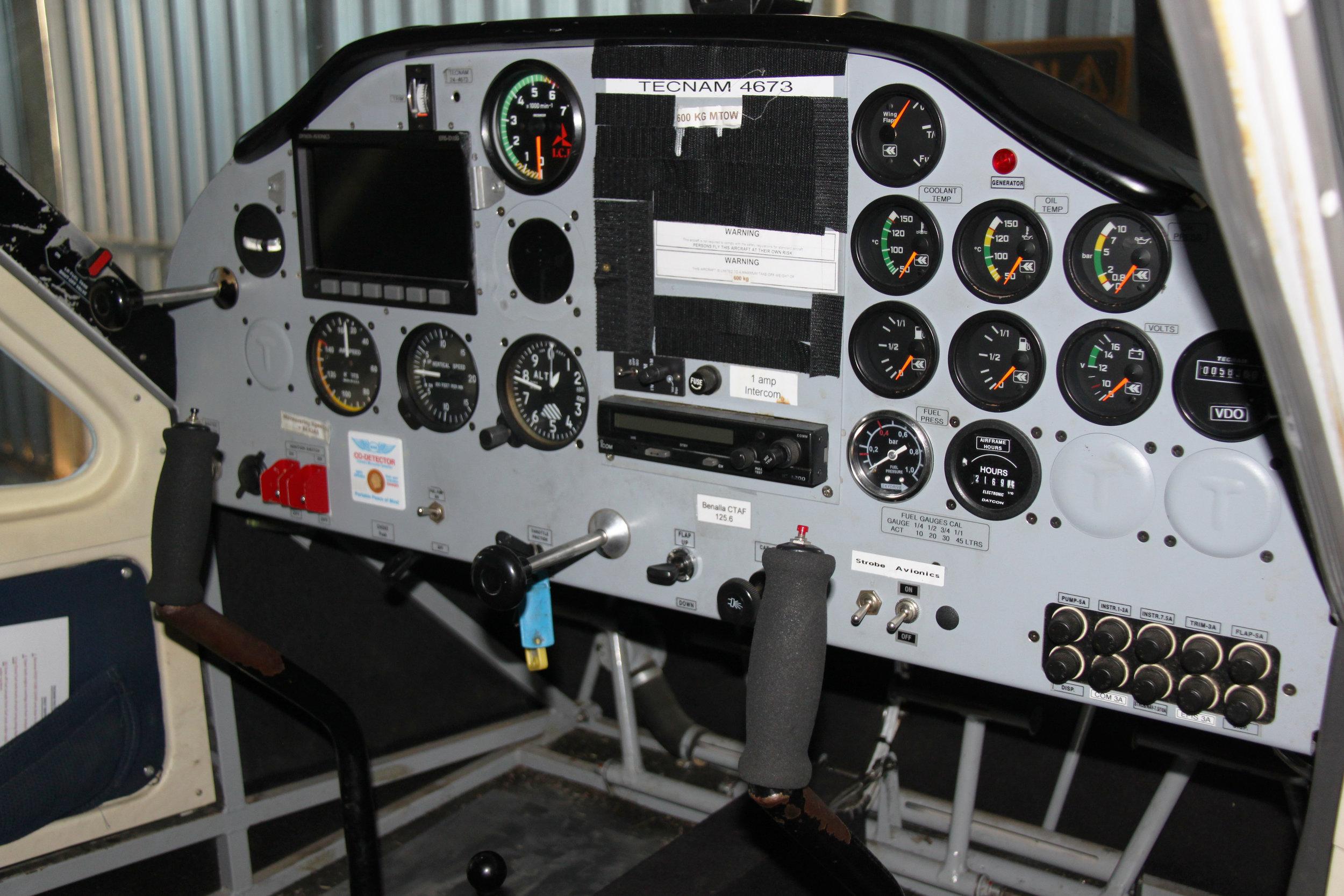 Cockpit of Tecnam P-92 Eaglet (24-4673).