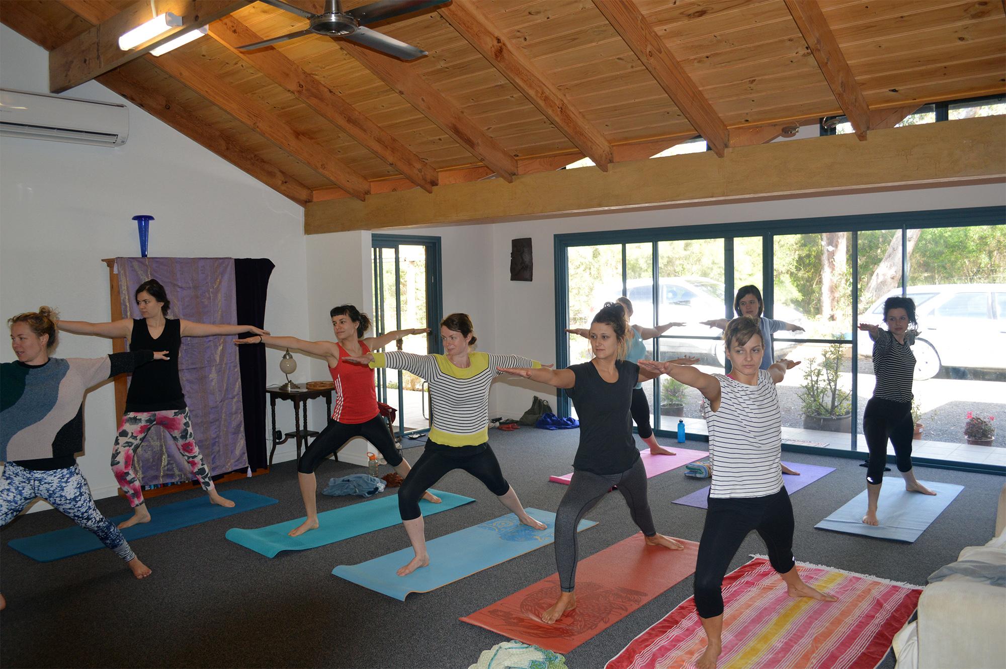 yoga_group.jpg