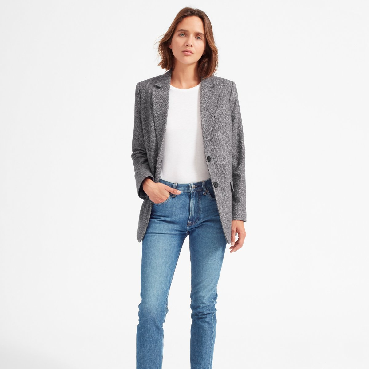 oversized blazer - Having a blazer at your disposal is a great way to make any outfit more professional. I love to travel in blazers so that it looks like I'm going somewhere important!