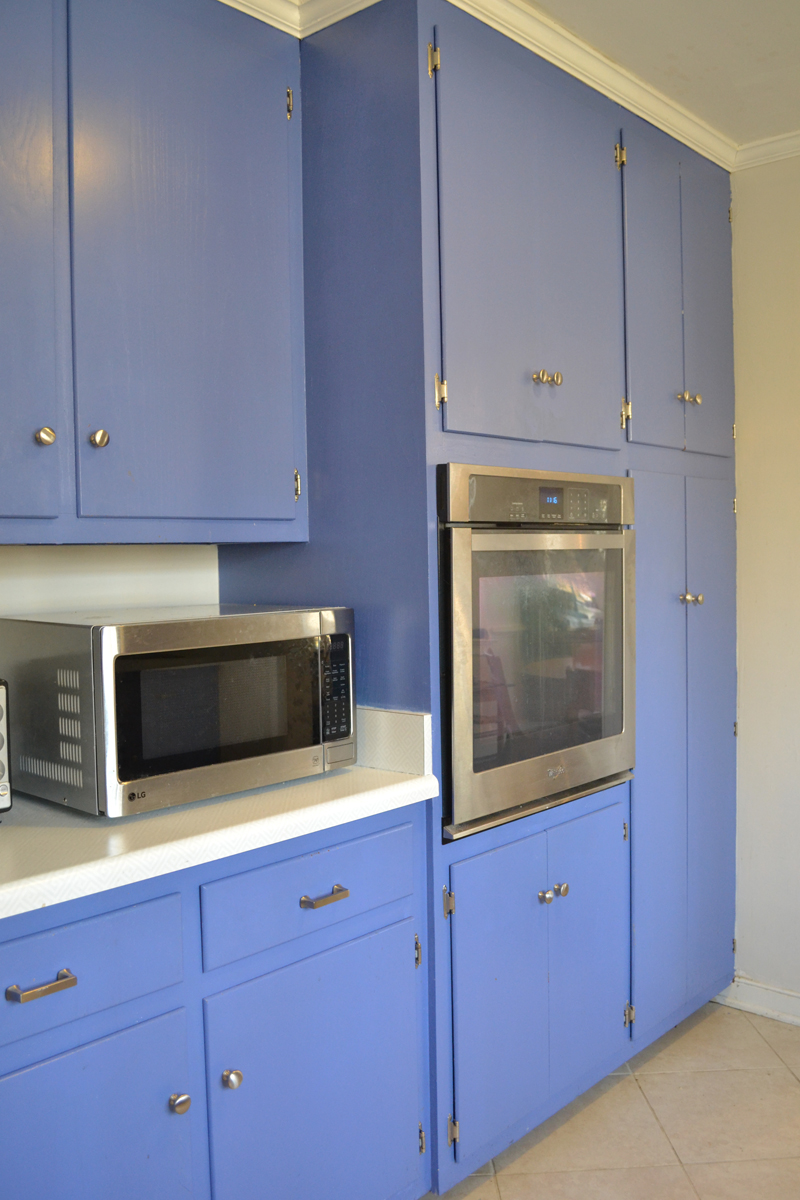french blue kitchen2.jpg