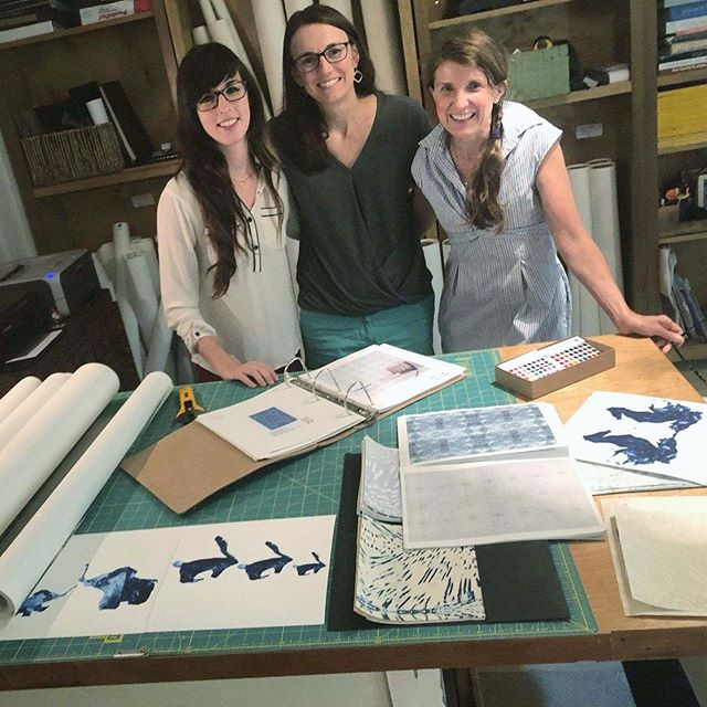 Thank you so much to Annie and Adriana for my tour of the @imaginestudiosinc studio yesterday morning! The story of these patterns is amazing, so be sure to visit their profile and website to read where the inspiration comes from - I guarantee you, it's not what you think! Hint: 🔬 ... 🤔 The whole collection is beautiful and unique, but swipe to see a few colors of my favorite pattern, Carousel. What do you see in the pattern? . . . #wallpaper #richmondva #richmonddesign #rva #rvadesign #grassclothwallpaper #grasscloth #interiordesign #rvacreatives #rhomemag
