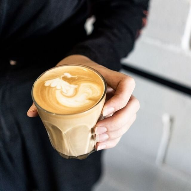 Velvety milk? ✔️ The perfect crema? ✔️ Some cute latte art? ✔️ Add them altogether and what do you get? A bloody good lookin' brew ☕ #LatteArt #CoffeeInspo ↓ ↓ ↓ #specialtycoffee #coffee #specialtycoffee #latteart #patiodried  #coffeetime #brisbaneanyday #fortitudevalley #probat #roasting #compakgrinders #brisbanefoodie #brisbanecoffee #greenbeans #blend #singleorigins #brisbanecoffeescene #goldcoastcoffee  #coffeeaustralia #newzealandcoffee #nzcoffee #asian #baristalife #baristadaily #barista #coffeegram #instacoffee