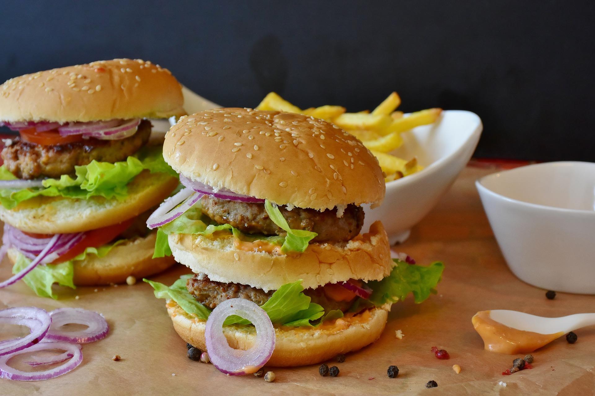 burger-2762371_1920.jpg