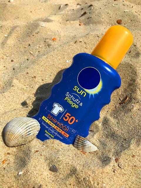 sunscreen-2372366_640.jpg