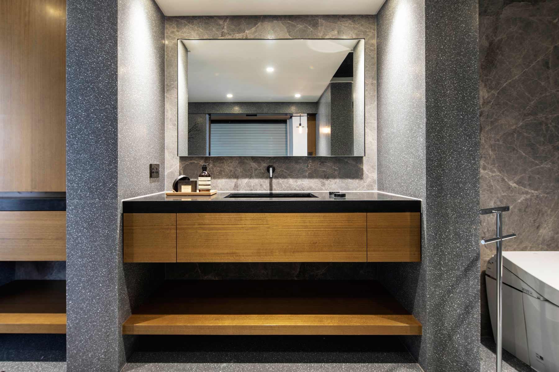 Bathroom-2--03.jpg