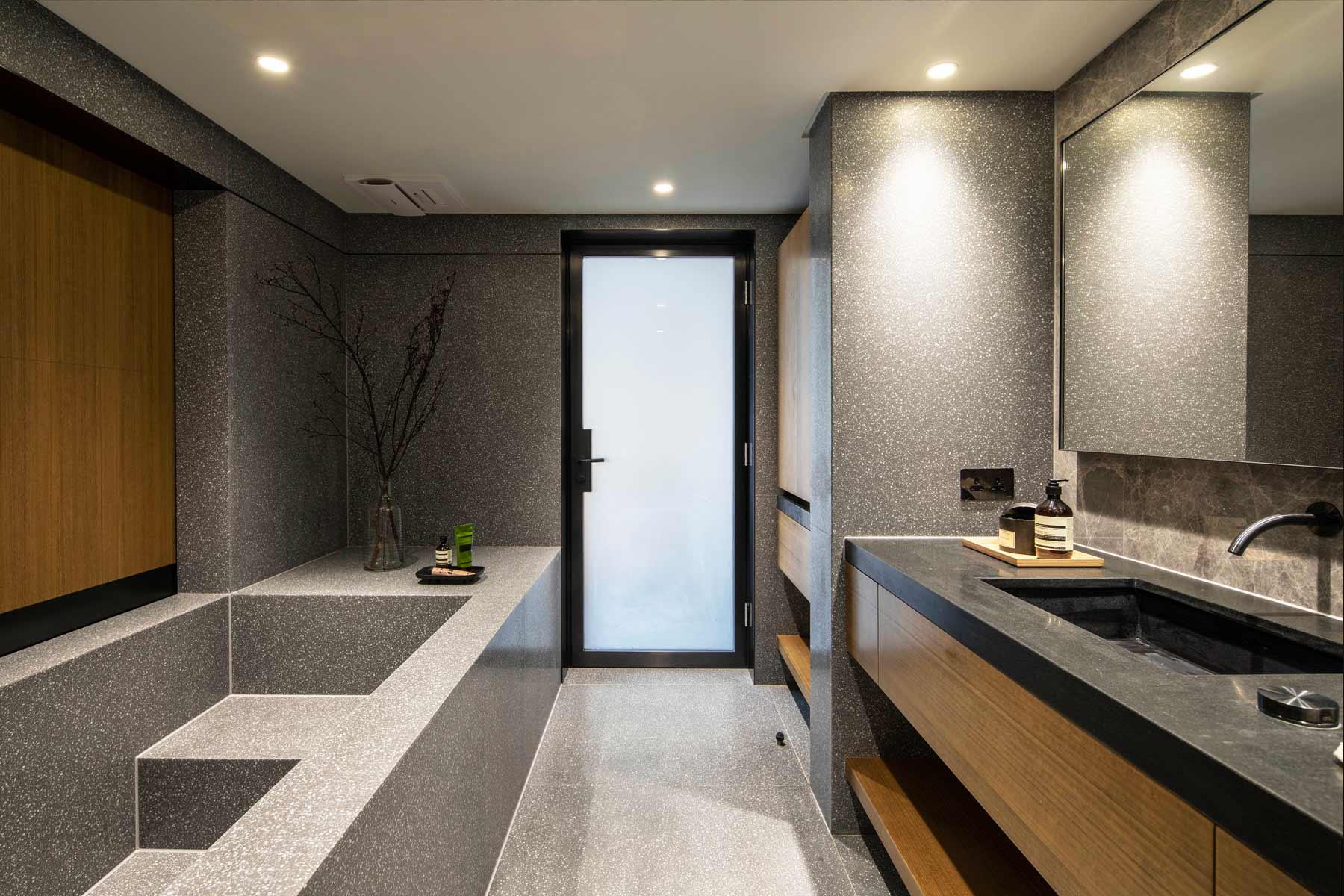 Bathroom-2--04.jpg