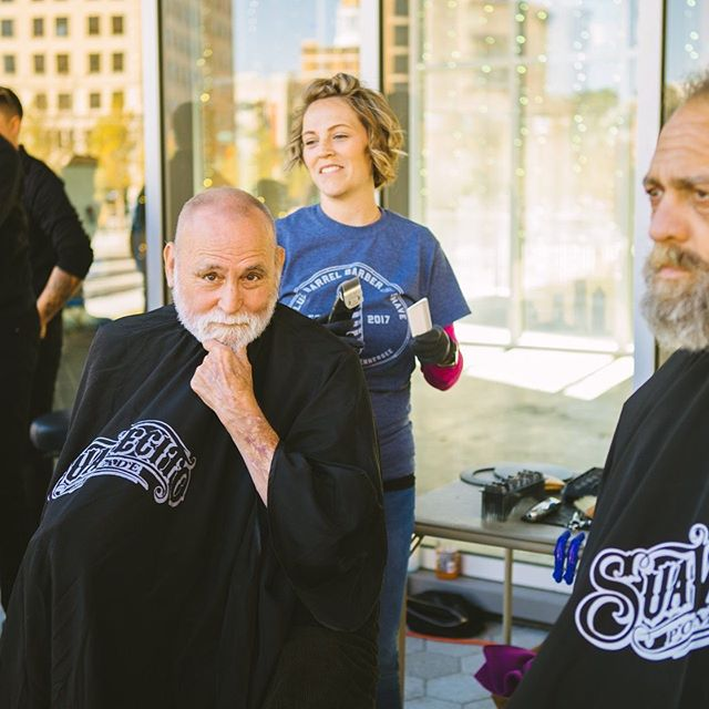 The gift of confidence. It's so much more than just a haircut. It's compassion towards our neighbors in need and an act of kindness. // 📷:@emilylapishphotog #cutsforchagechatt #chattanooga #chattanoogahairsalon