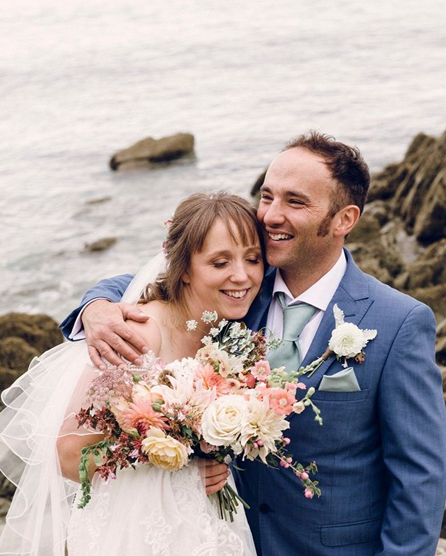 Hannah and Ben ⠀⠀⠀⠀⠀⠀⠀⠀⠀ .⠀⠀⠀⠀⠀⠀⠀⠀⠀ .⠀⠀⠀⠀⠀⠀⠀⠀⠀ .⠀⠀⠀⠀⠀⠀⠀⠀⠀ #weddingcornwall #coastalwedding #beachwedding #weddingphotography #weddingphotographer #wedding #weddingday #love #bride #brideandgroom #weddinginspiration #weddingideas #weddingphotos #weddingphotographerfrome #weddingphotographersomerset #weddingdress #marriage #happilyeverafter #junebugweddings #theknot #fearlessphotographer #huffpostweddings #casualwedding #diywedding #alternativewedding #relaxedwedding #bestfriend #documentaryweddingphotography