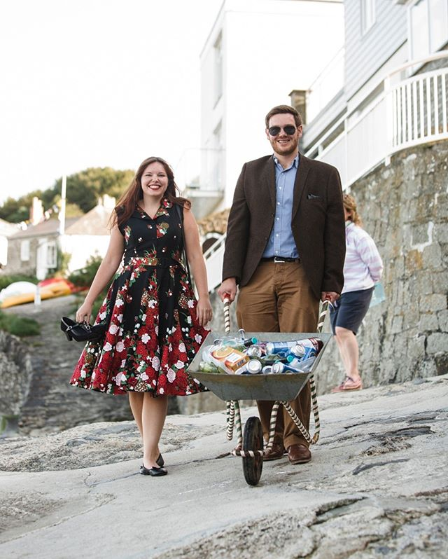 Bringing the bar to the beach! ⠀⠀⠀⠀⠀⠀⠀⠀⠀ .⠀⠀⠀⠀⠀⠀⠀⠀⠀ .⠀⠀⠀⠀⠀⠀⠀⠀⠀ .⠀⠀⠀⠀⠀⠀⠀⠀⠀ .⠀⠀⠀⠀⠀⠀⠀⠀⠀ #weddingcornwall #coastalwedding #beachwedding #drinks delivery #weddingphotography #weddingphotographer #wedding #weddingday #love #bride #brideandgroom #weddinginspiration #weddingideas #weddingphotos #weddingphotographerfrome #weddingphotographersomerset #weddingdress #marriage #happilyeverafter #junebugweddings #theknot #fearlessphotographer #huffpostweddings #casualwedding #diywedding #alternativewedding #relaxedwedding #bestfriend #documentaryweddingphotography
